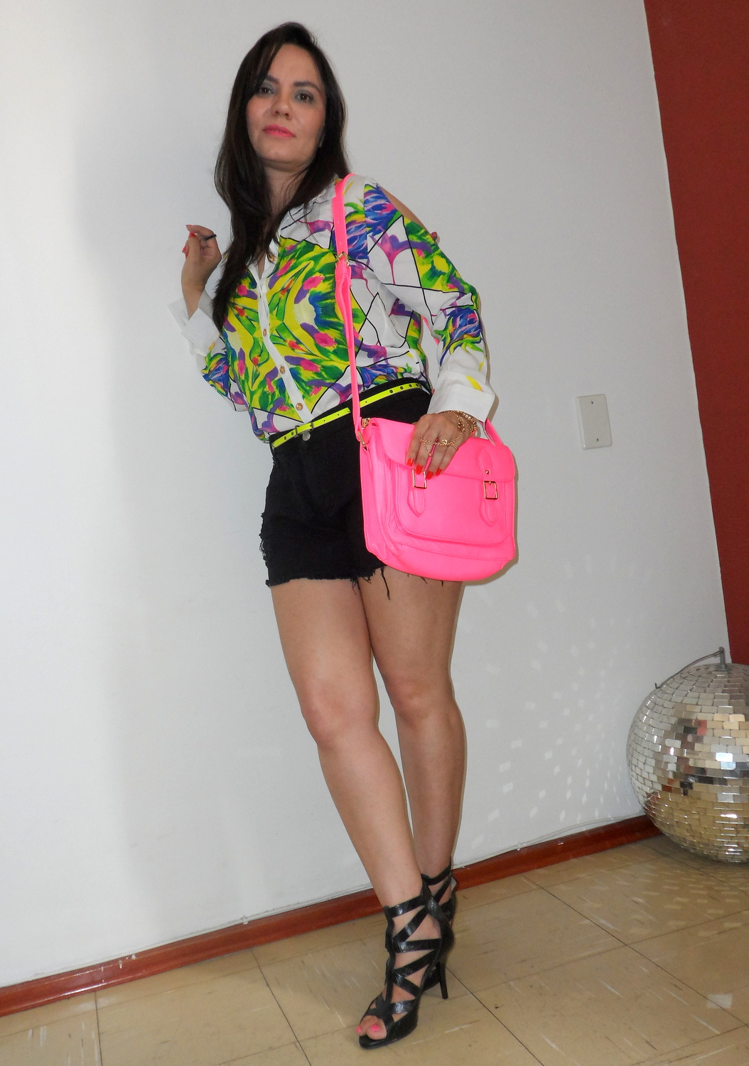 Look do dia Floral Print, Neon and Black