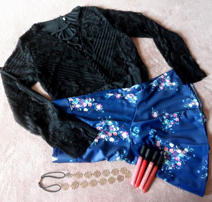 Body Lace Up, Saia Floral e a Headband Dresslink
