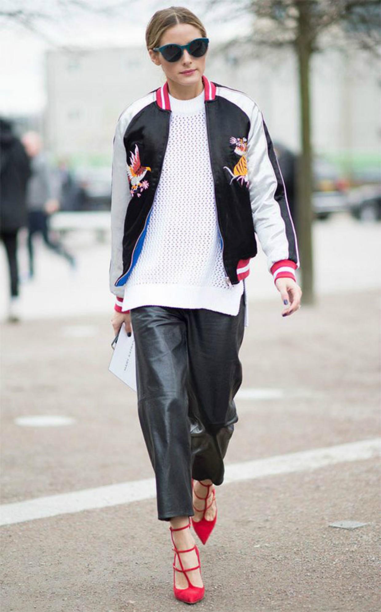 c469f4ce7 Holofote Fashion: A jaqueta bomber continua em alta, veja como usar